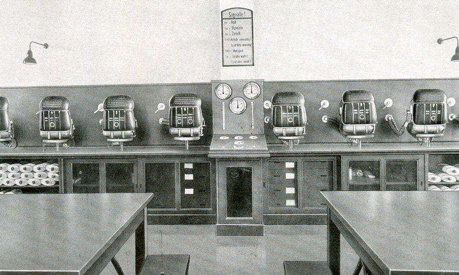 Geräteraum mit Zentralprüfanlage, Schachtanlage Constantin der Grosse in Bochum   1938