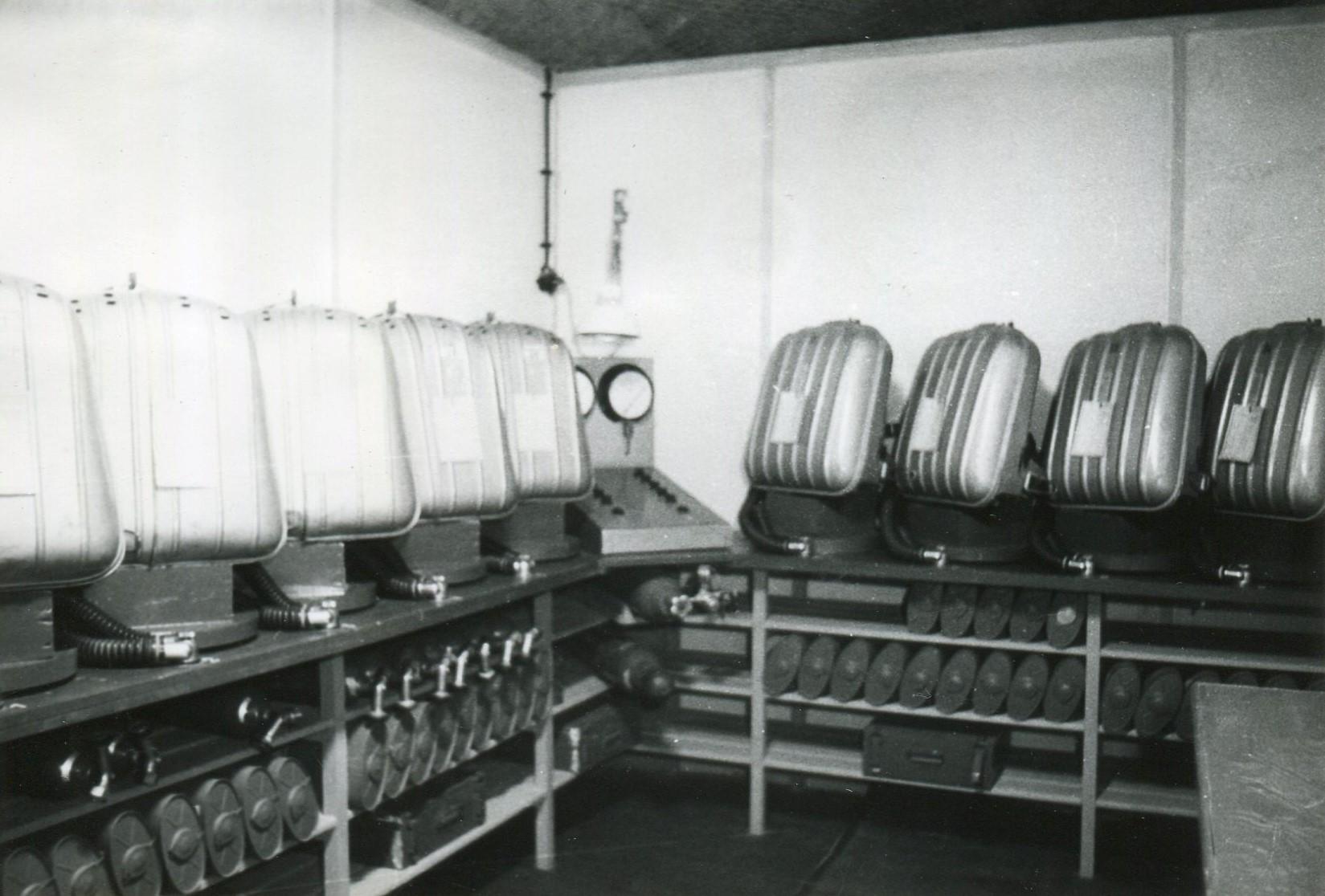 Geräteraum mit zentr. Dichtprüfanlage im Gerätestützpunkt der Grube Kleinbodungen