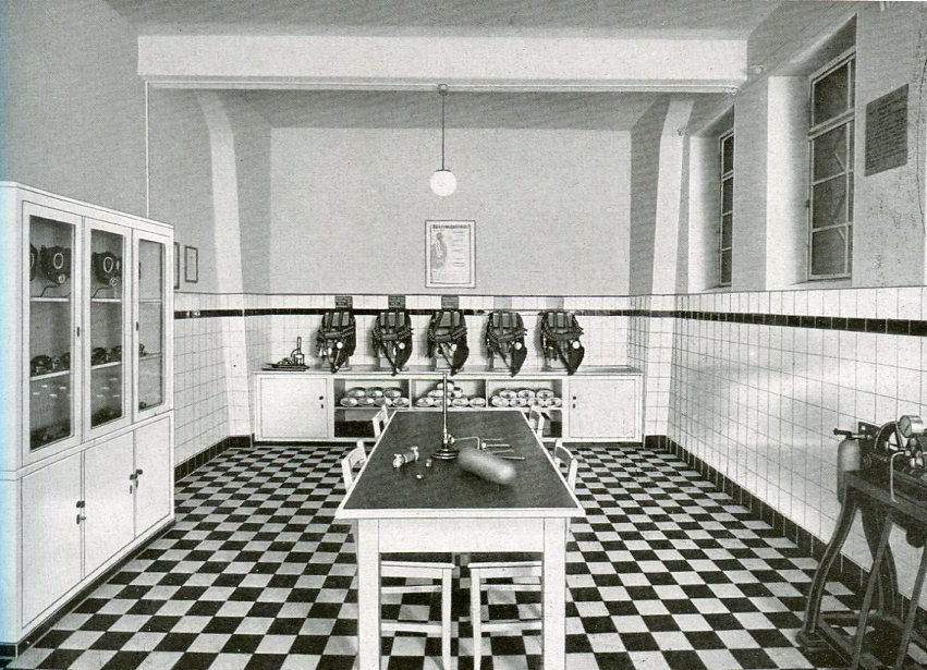 Geräteraum der Zeche Bonifacius in Essen   1937