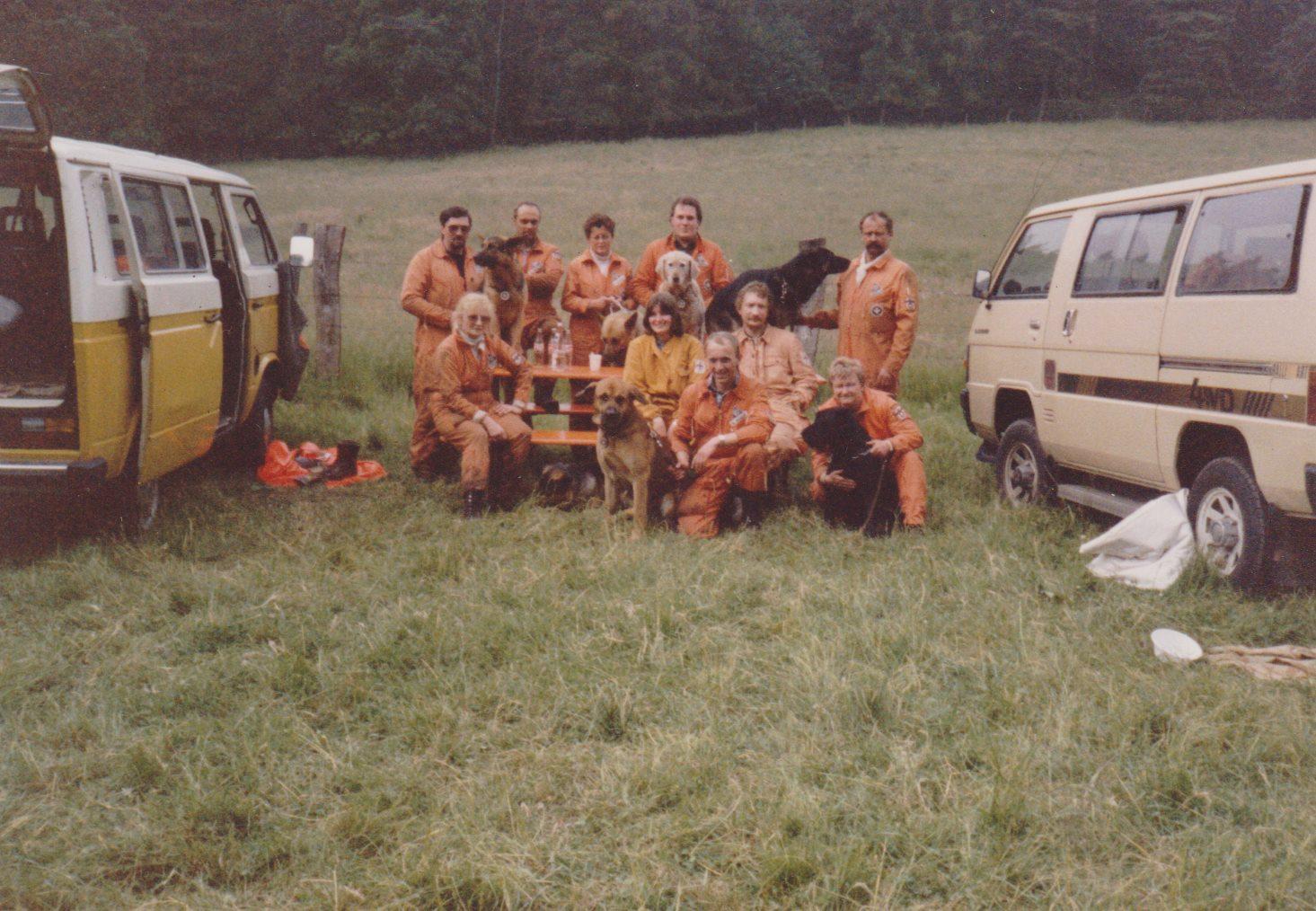 Die Mannschaft der Hundestaffel aus Wesel
