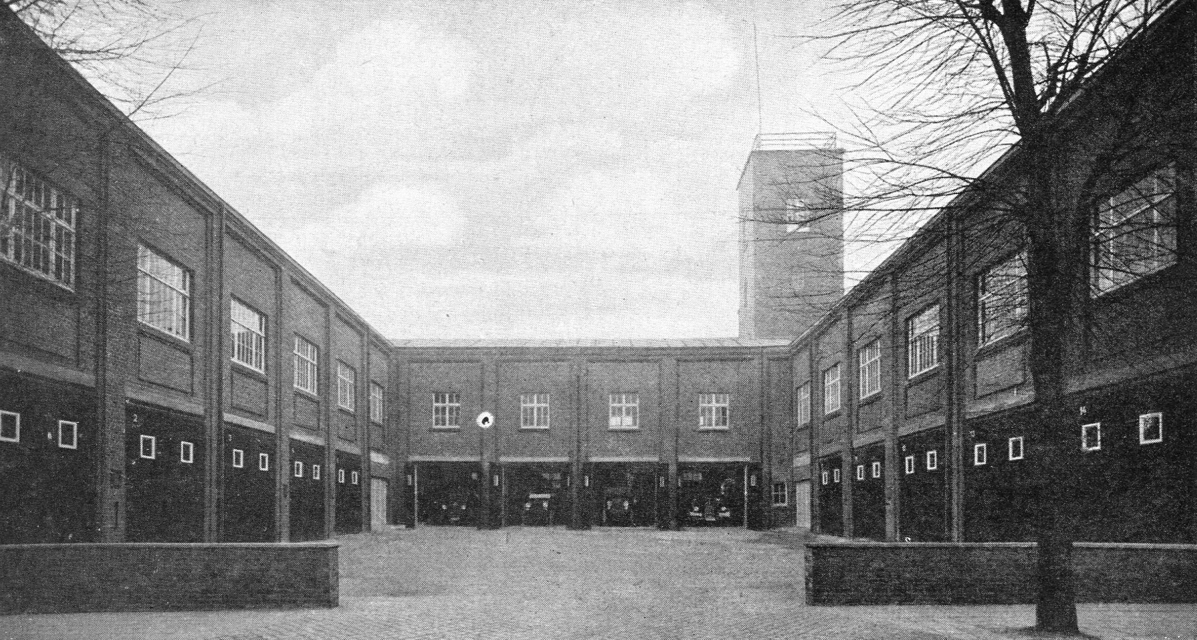 Zentralrettungsstelle und Feuerwache Rheinelbe der Gelsenkirchener Bergwerks AG in Gelsenkirchen