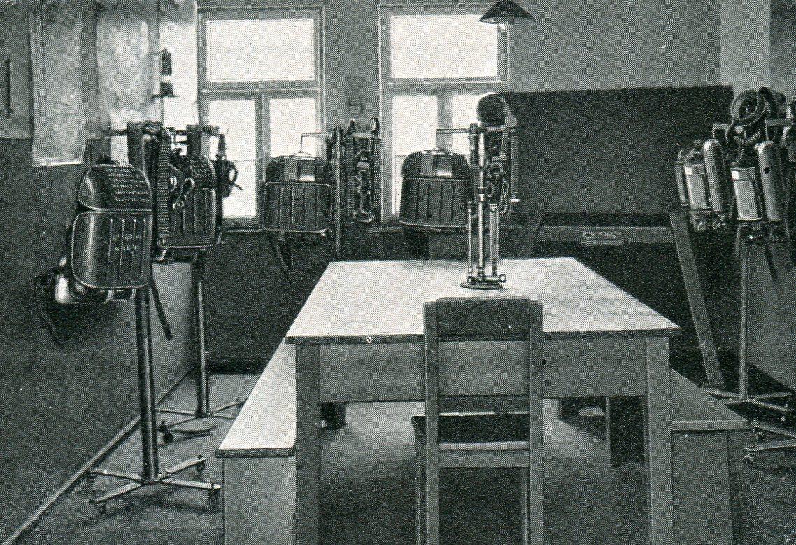 Gerätelager und Unterichtsraum Unfallhilfestelle der Deutschen Knappschafts-Berufsgenossenschaft in Borna  1927