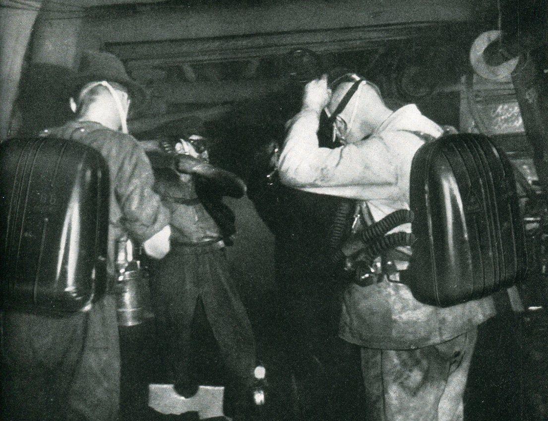 Grubenwehr Hibernia beginnt die Befahrung einer Unfallstrecke   1942