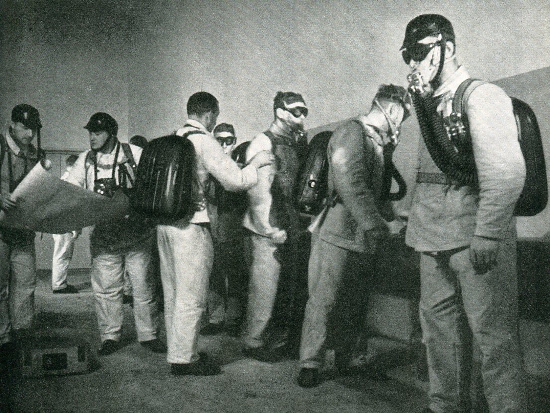 Grubenwehr Grube Maybach macht sich fertig zum Einsatz   1942