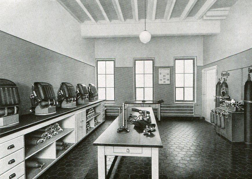 Geräteraum Zeche Carolinenglück in Bochum   1937