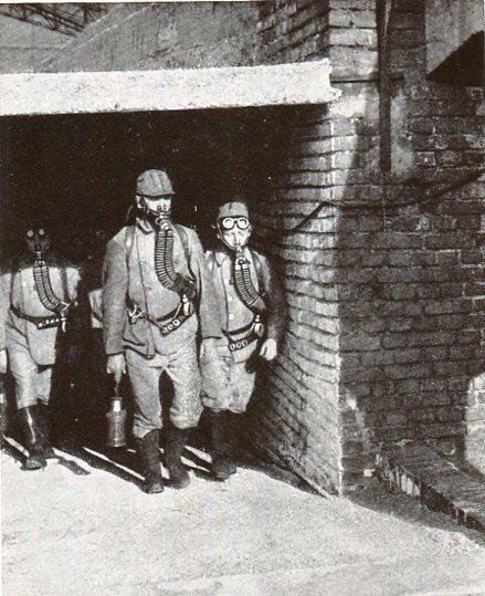 Schachtanlage Bruchstrasse Eingang zum Lehr und Übungsbergwerk  1932