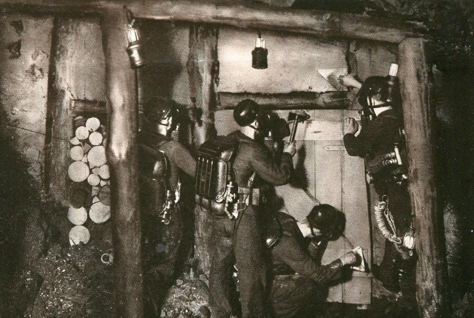 Bau eines Holzdammes Florentine-Grube  1929