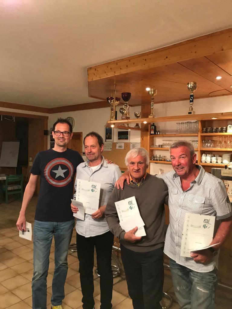 40 Jahre Staufer Dieter, 30 Jahre Marx Otto, Jetzinger Johann, Stockinger Ferdl (nicht im Bild), 25 Jahre Billinger Wolfgang (nicht im Bild)