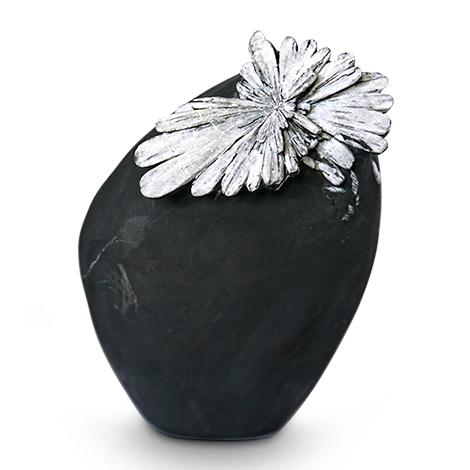 Blütenpracht in Stein. Chrysanthemenstein