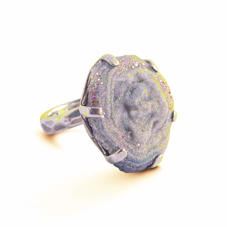 Bunt funkelnder Aura-Quarz-Ring in Sterlingsilber. Größe 8