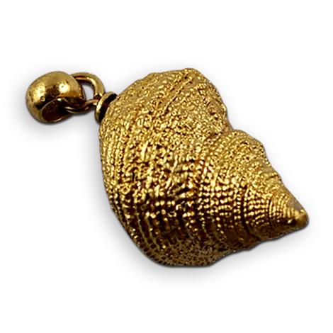 Fossile Schnecke als vergoldeter Abguss mit Schmucköse.