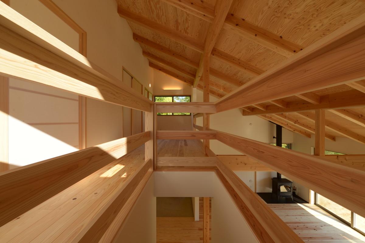 飯田の家Ⅰ(飯田市)階段~2階ホール(在宅ワークスペース)