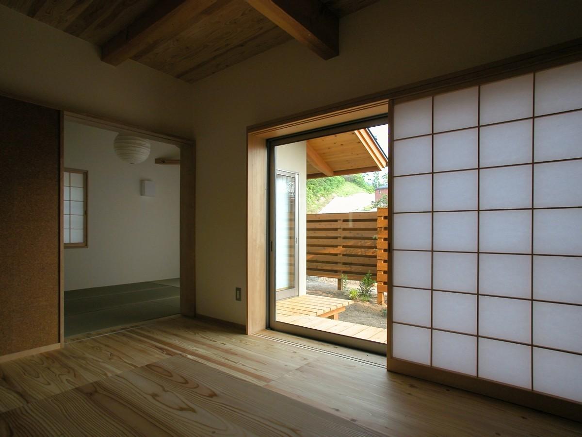 光の家(安曇野市)-居間・食堂~和室