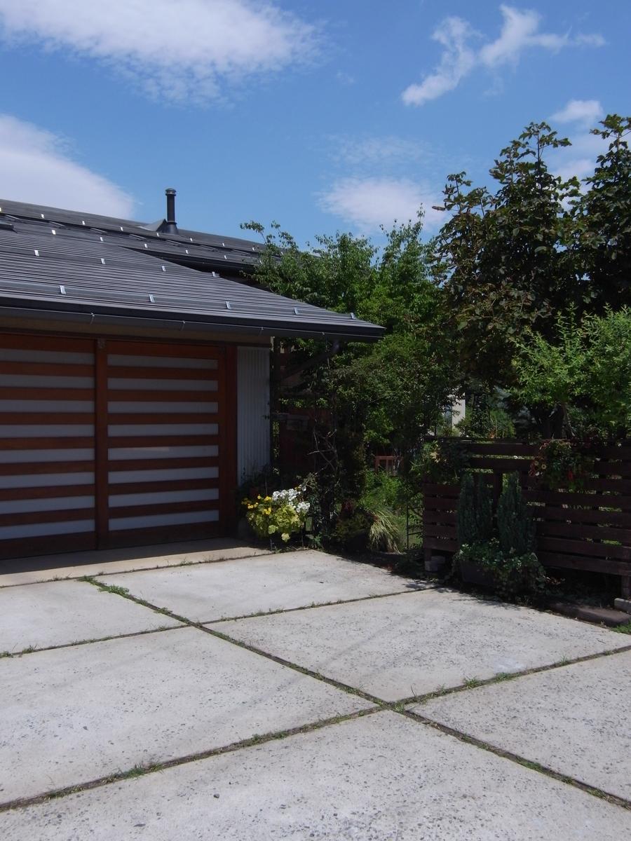波田の家(松本市)-外観車庫