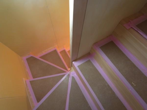 松本市 島立の家Ⅱ 階段設置 左官下塗り 長野県松本市の建築設計事務所 建築家 丸山和男 現場監理 住宅