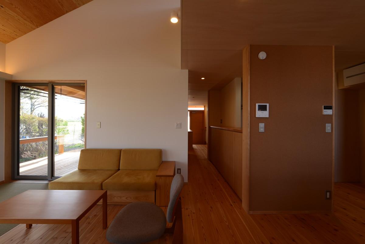 島立の家Ⅱ(松本市)居間~玄関