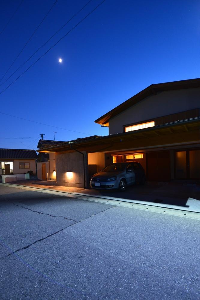 島内の家(松本市)-外観夜景