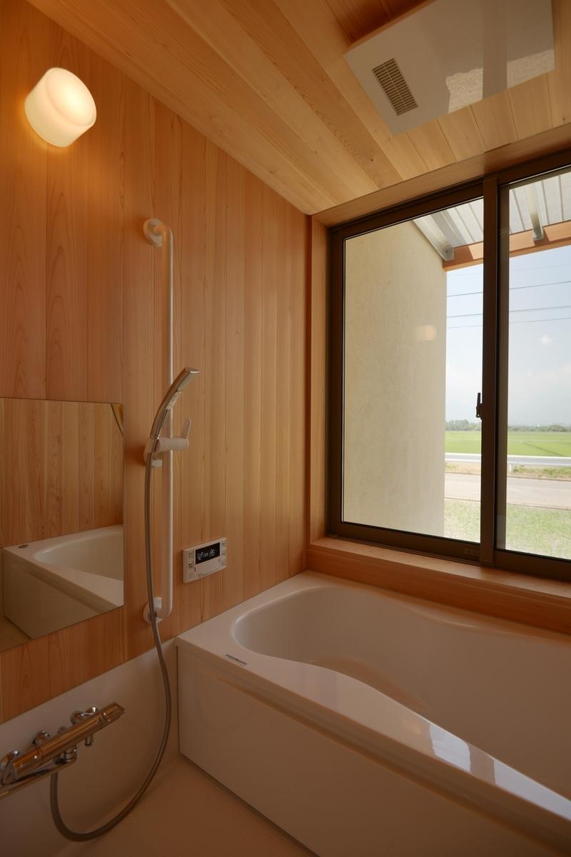 明科光の家(安曇野市)-浴室~バスコート