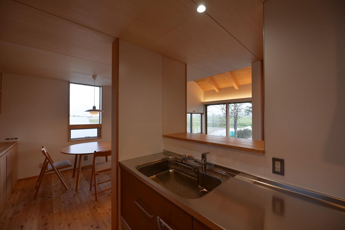 島立の家Ⅱ(松本市)台所~食堂・居間
