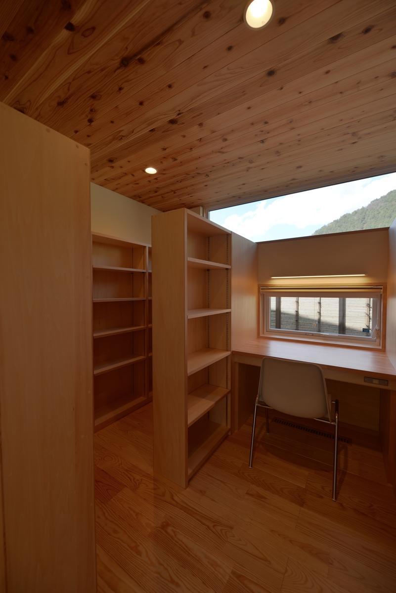 里山辺の家(松本市)-ライブラリー