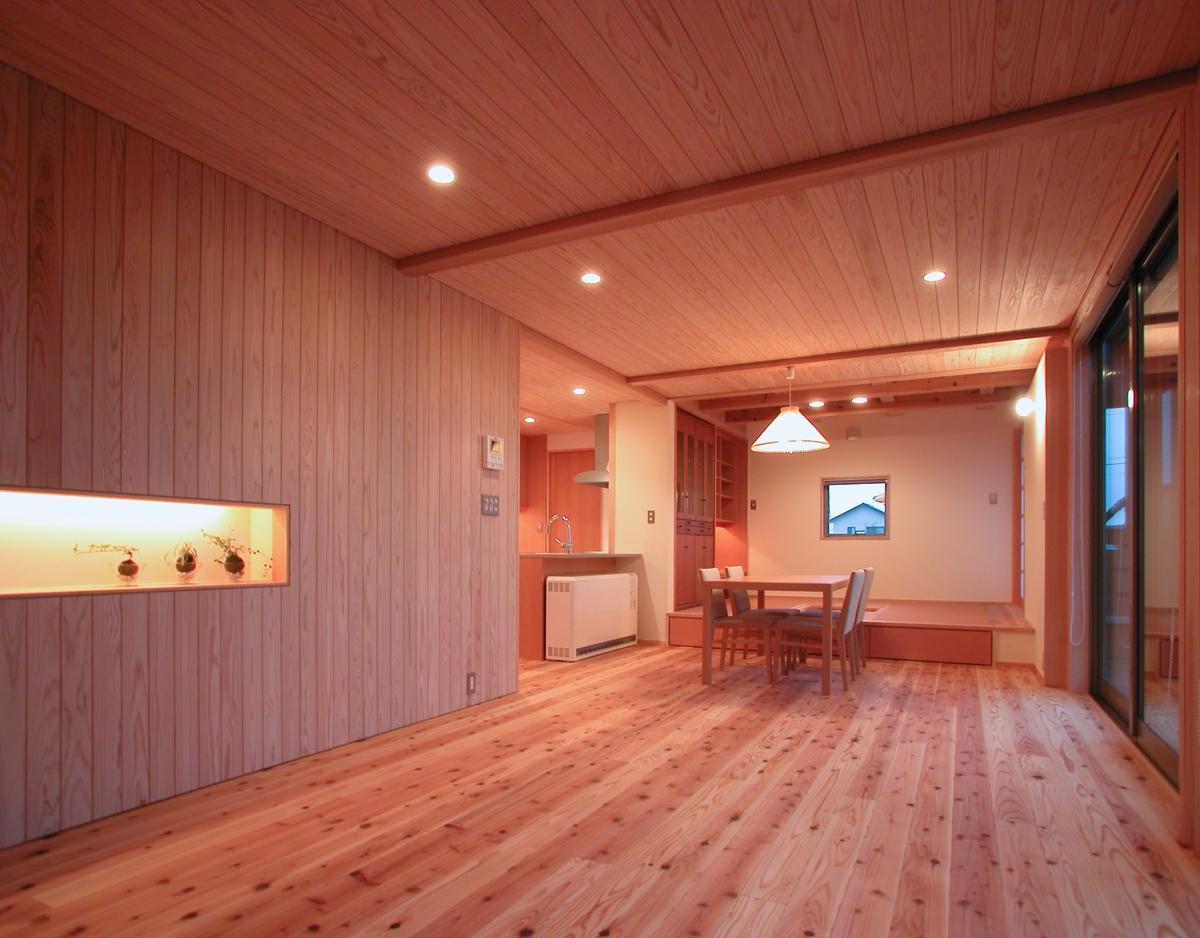 和田の家(松本市)-居間食堂
