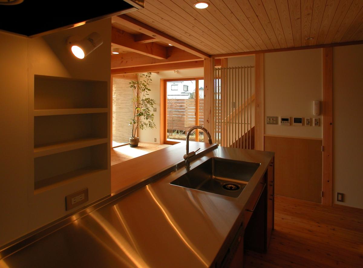 梓川の家Ⅰ(松本市)-台所~居間・食堂