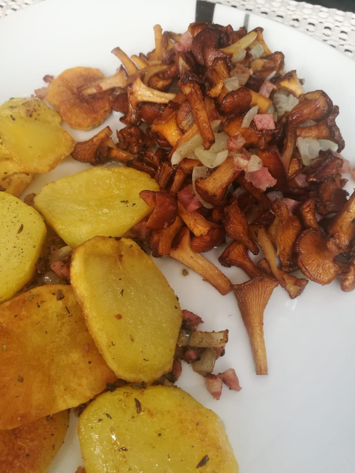 Bratkartoffeln und Pfifferlinge