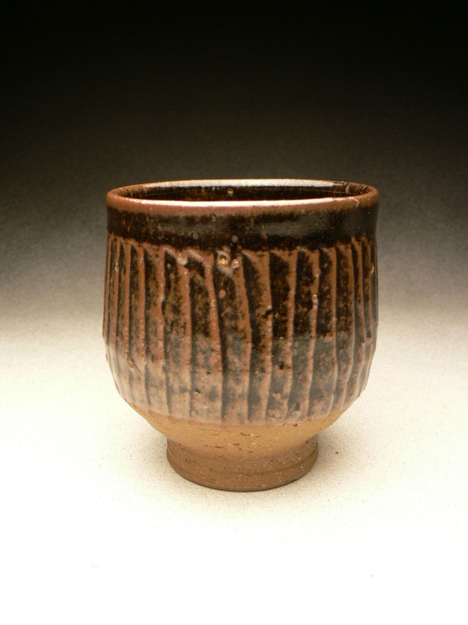 MIREK SMISEK - VINTAGE YUNOMI, STONEWARE, FLUTED, BROWN-BLACK TENMOKU GLAZE, POTTER'S STAMP - 9.5cmH x 8.5cmD, 0.2kg - NZ$110 - #MSR4.....SOLD