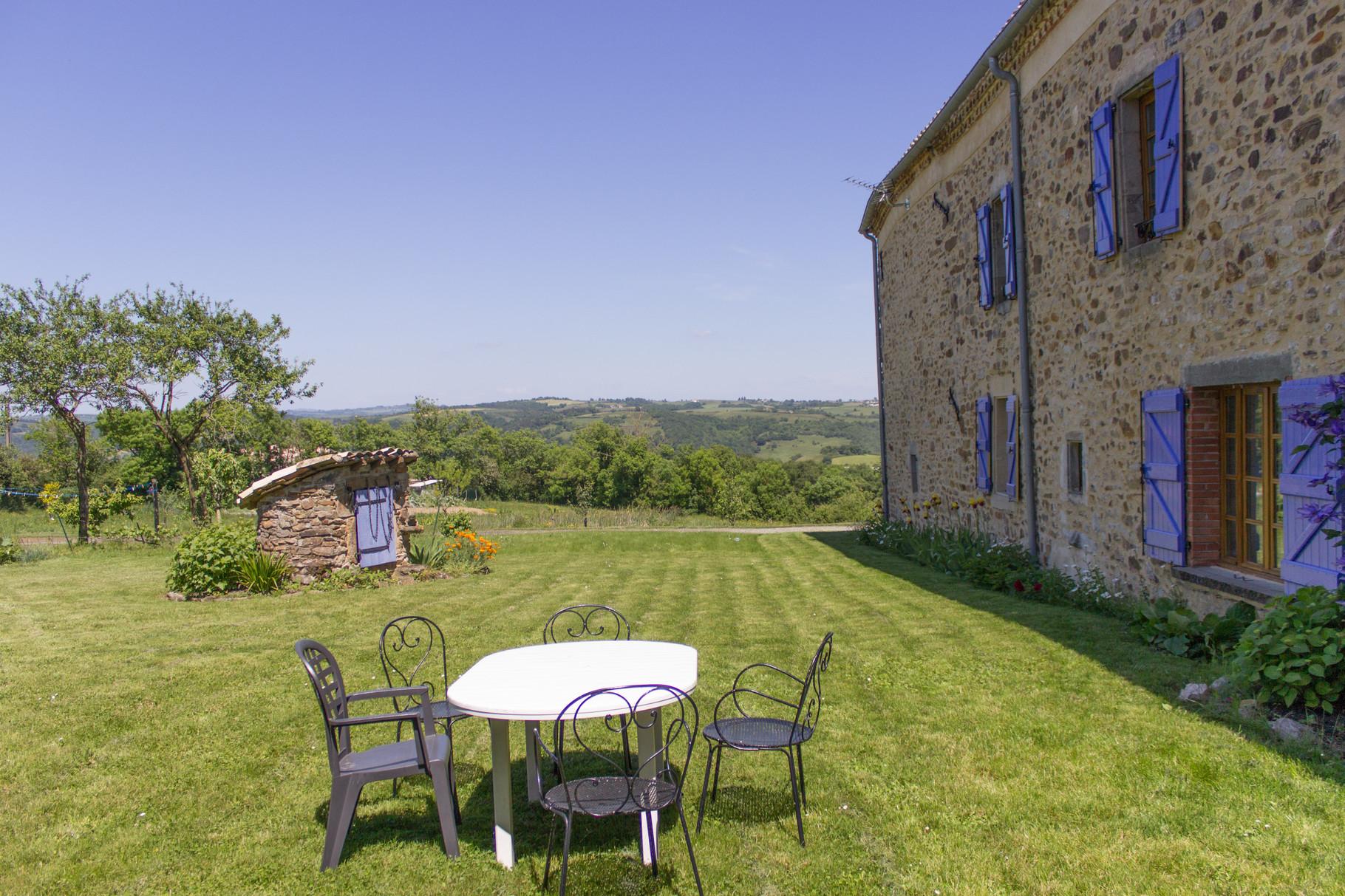 jardin privatif, Gîtes et chambre d'Hôtes Peyrecout Tarn Cordes Albi