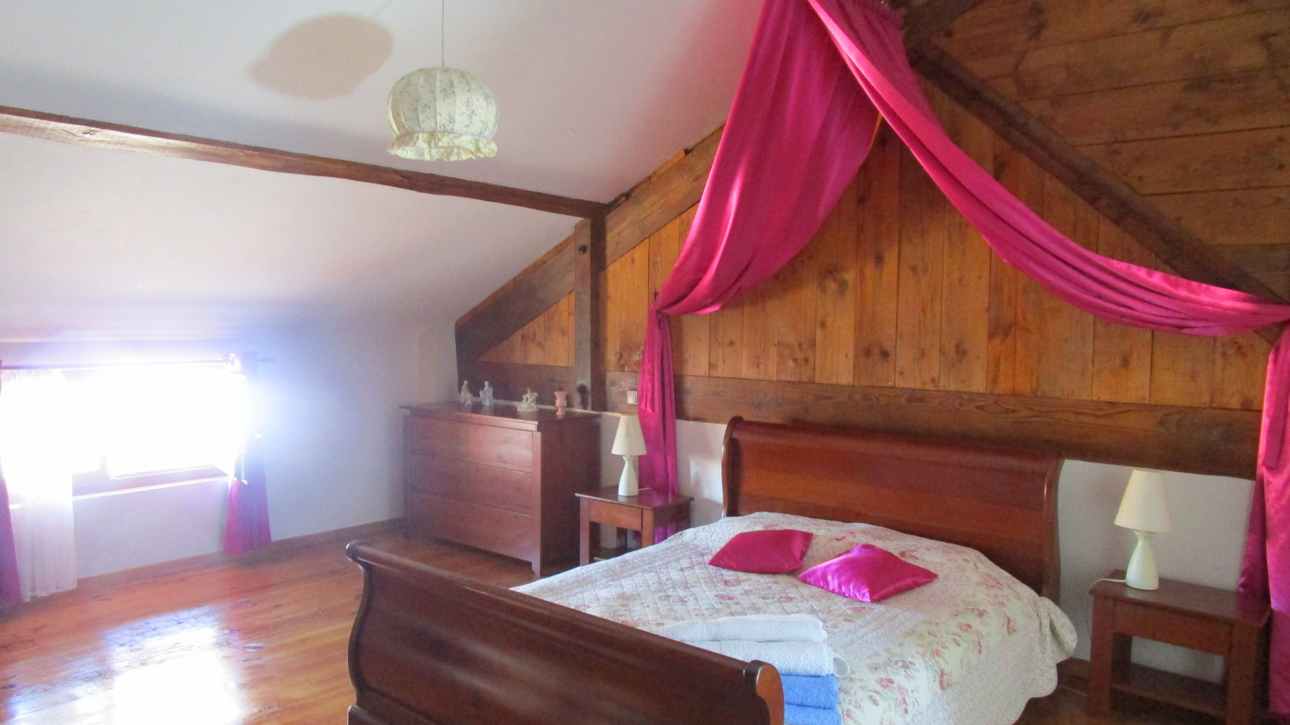 chambre ,Gîtes et chambre d'Hôtes Peyrecout Tarn Cordes Albi