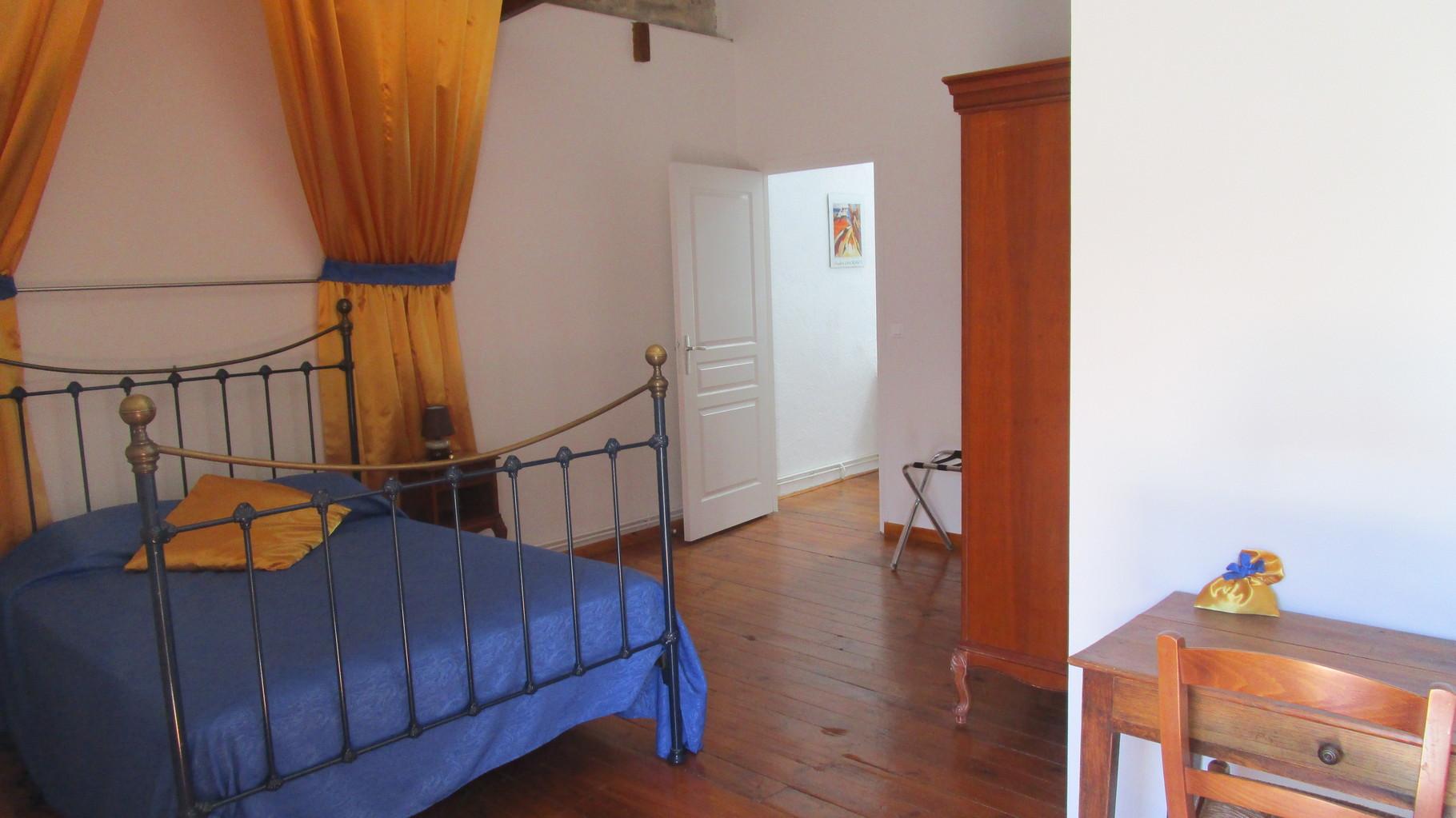 grande chambre, Gîtes et chambre d'Hôtes Peyrecout Tarn Cordes Albi