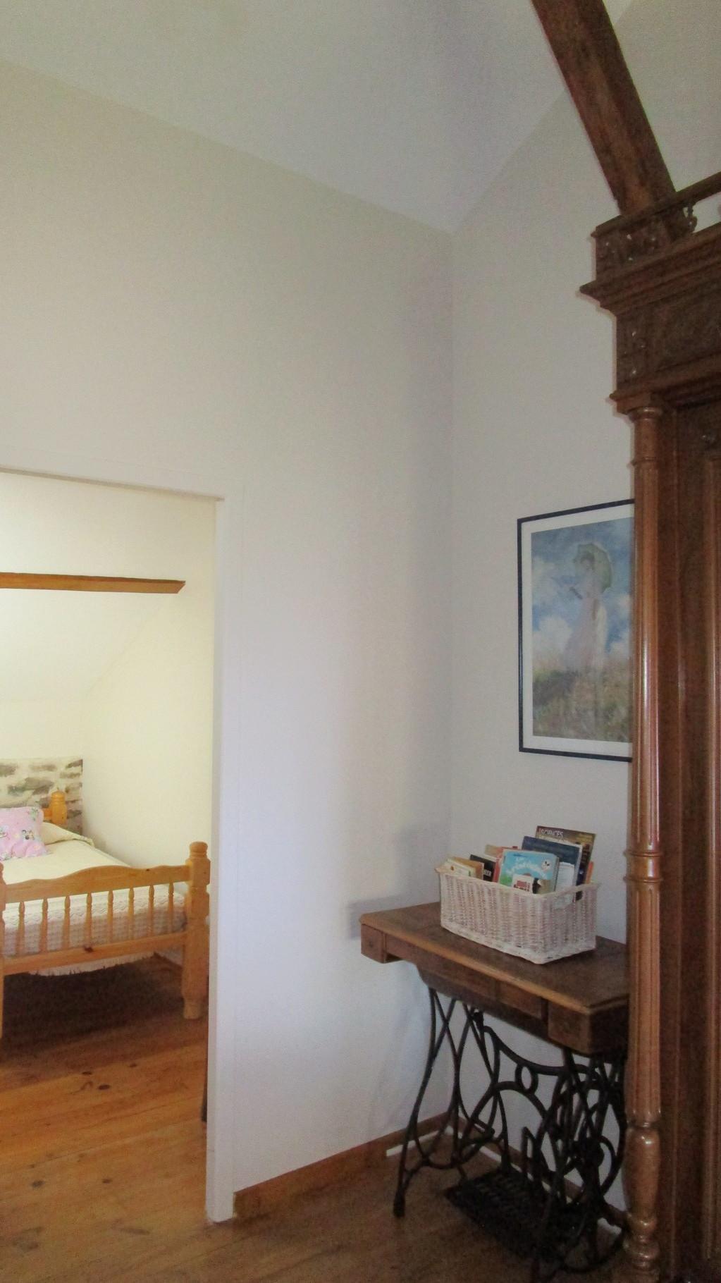 accès petite chambre depuis la grande chambre étage, Gîtes et chambre d'Hôtes Peyrecout Tarn Cordes Albi