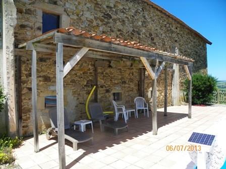 espace ombragé piscine Gîtes et chambre d'Hôtes Peyrecout Tarn Cordes Albi