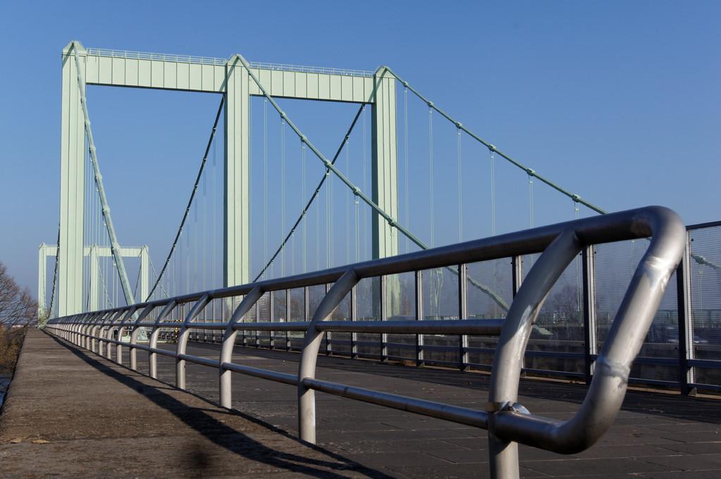 Rodenkirchener Brücke - A4