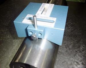 円柱形頂点指示水準器