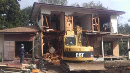木造2階建ての解体工事