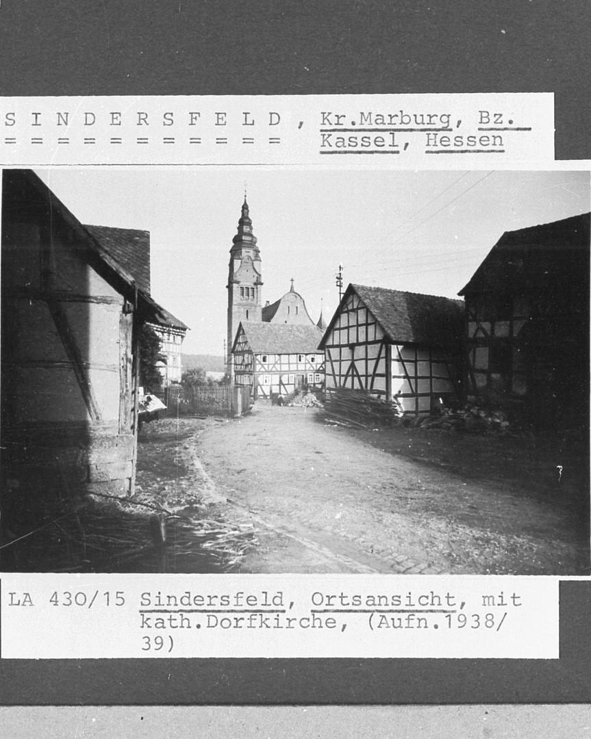 Ortsansicht mit Kirche von 1938/39