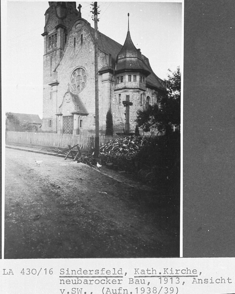 Neubarocker Bau von 19313 der katholischen Kirche Aufnahme von 1938/39
