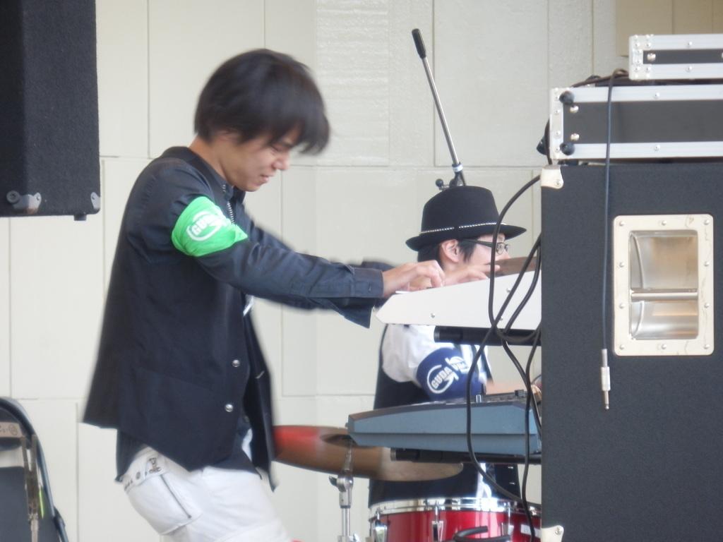 ステキになって うたがうまくなったら となりでピアノを 弾いてくれるかな?