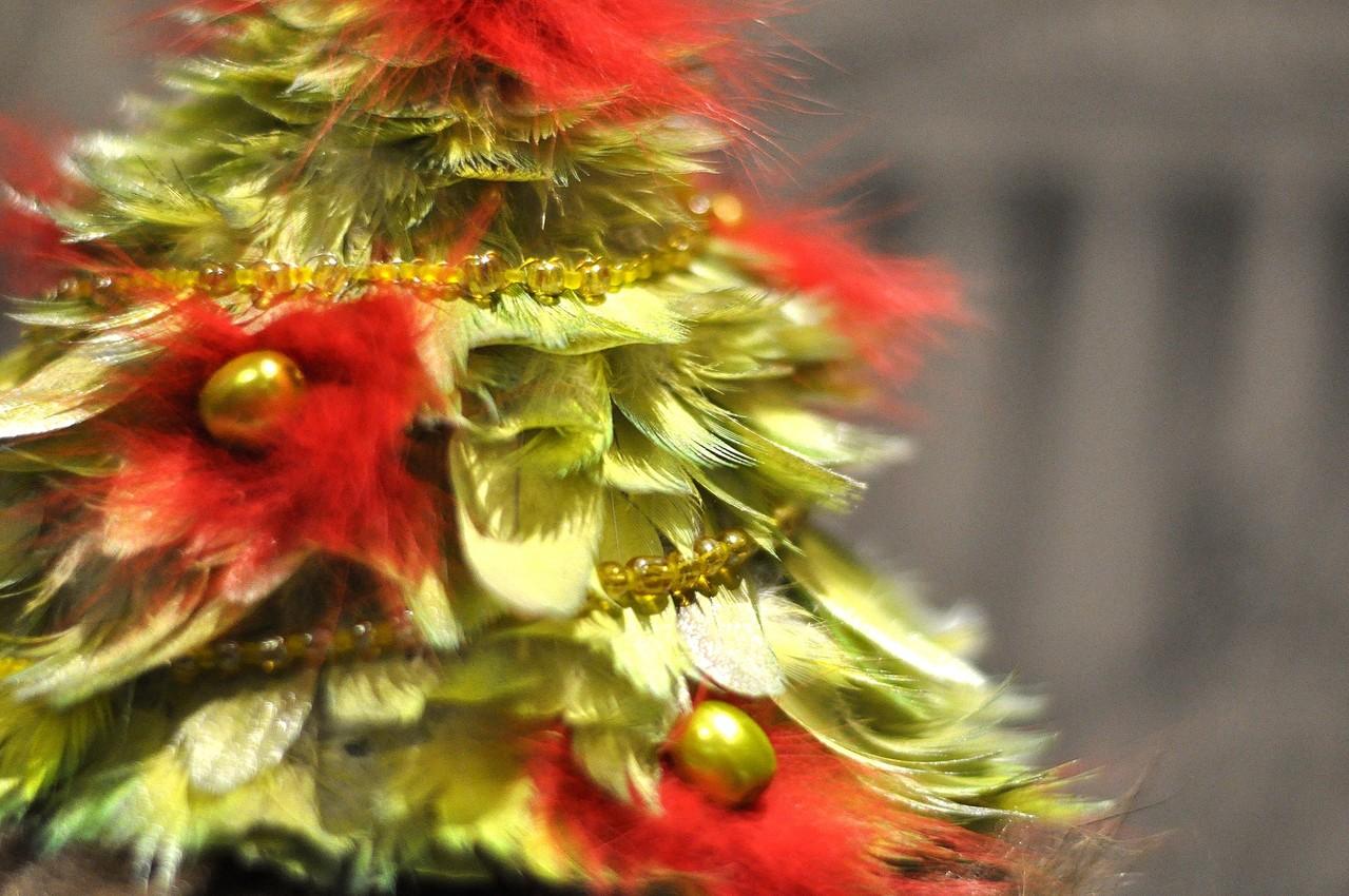 этом елочка из перьев пошаговое фото человек задумывается, как
