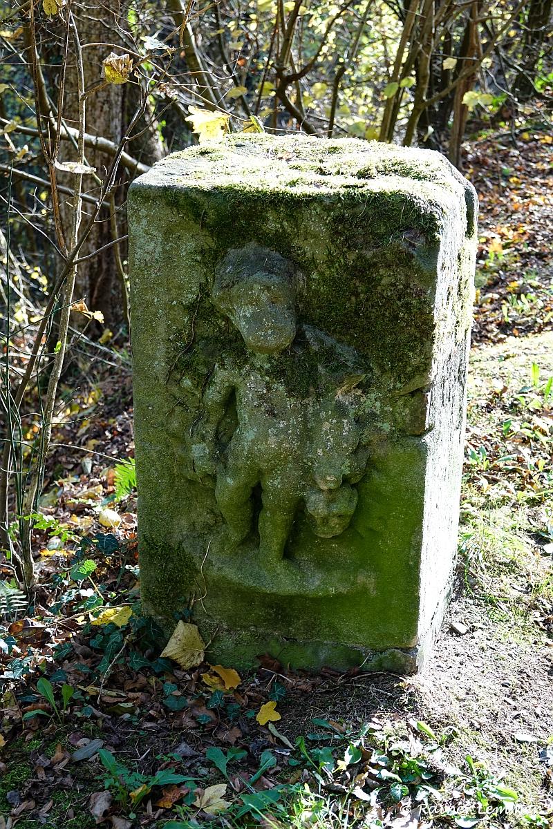 Stumme Zeugen an Burg Grenzau