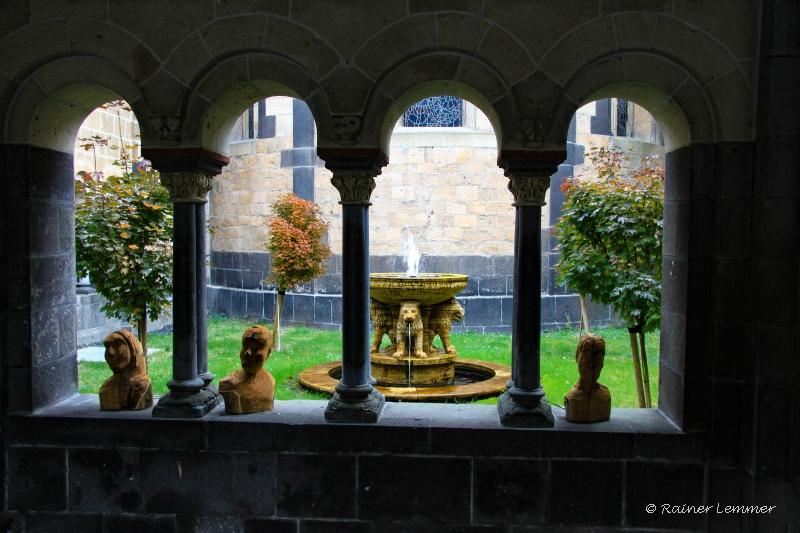 Arkaden Innehof Kloster Maria Laach