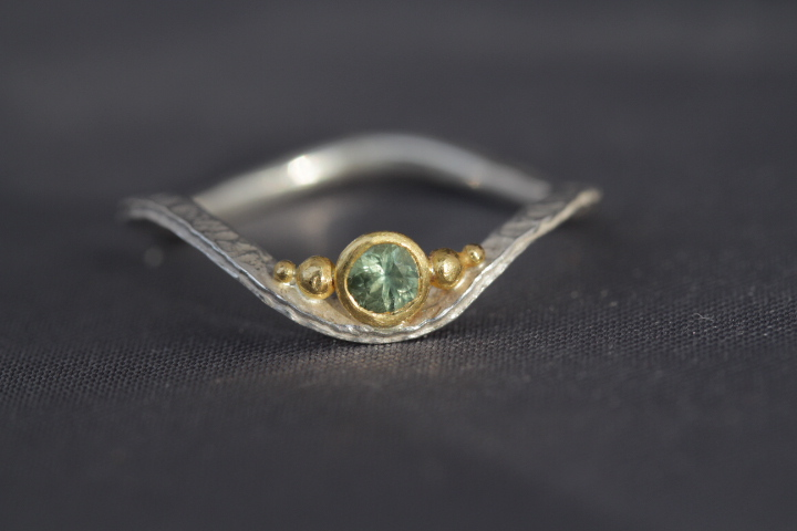 grüner Safir, 900er Waschgold, 935er Silber