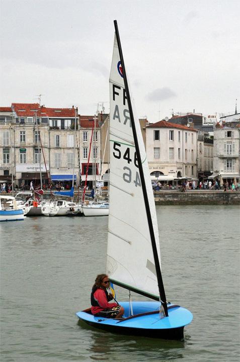 Le Moth Lanaverre de l'AAMMLR dans le vieux port de La Rochelle