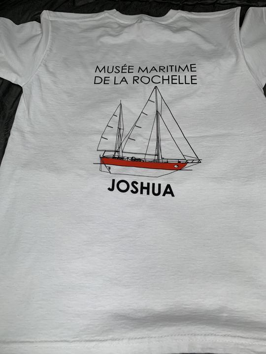 Vente de t.shirts Joshua à 15 euros
