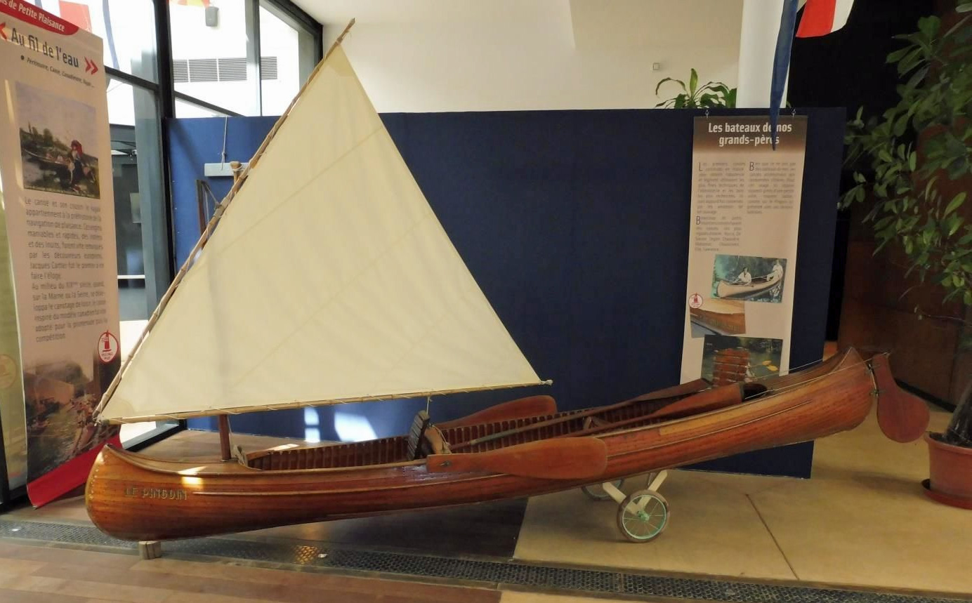 Canoë à voile Construction Albert Sadoux au Musée Maritime de La Rochelle