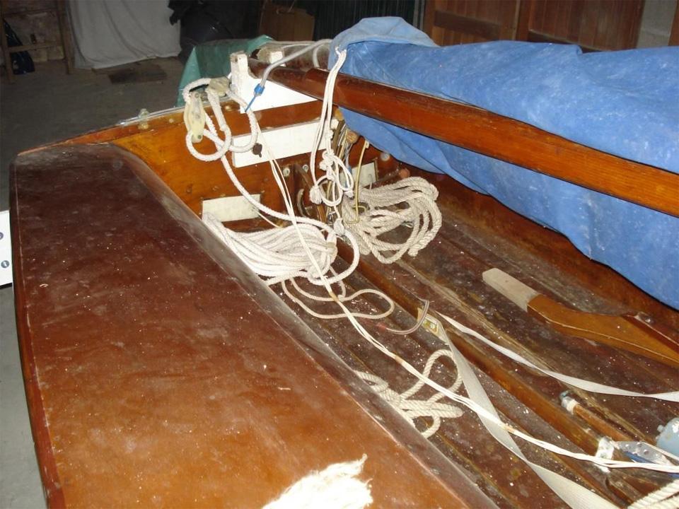 505 en bois moulé, vue intérieure