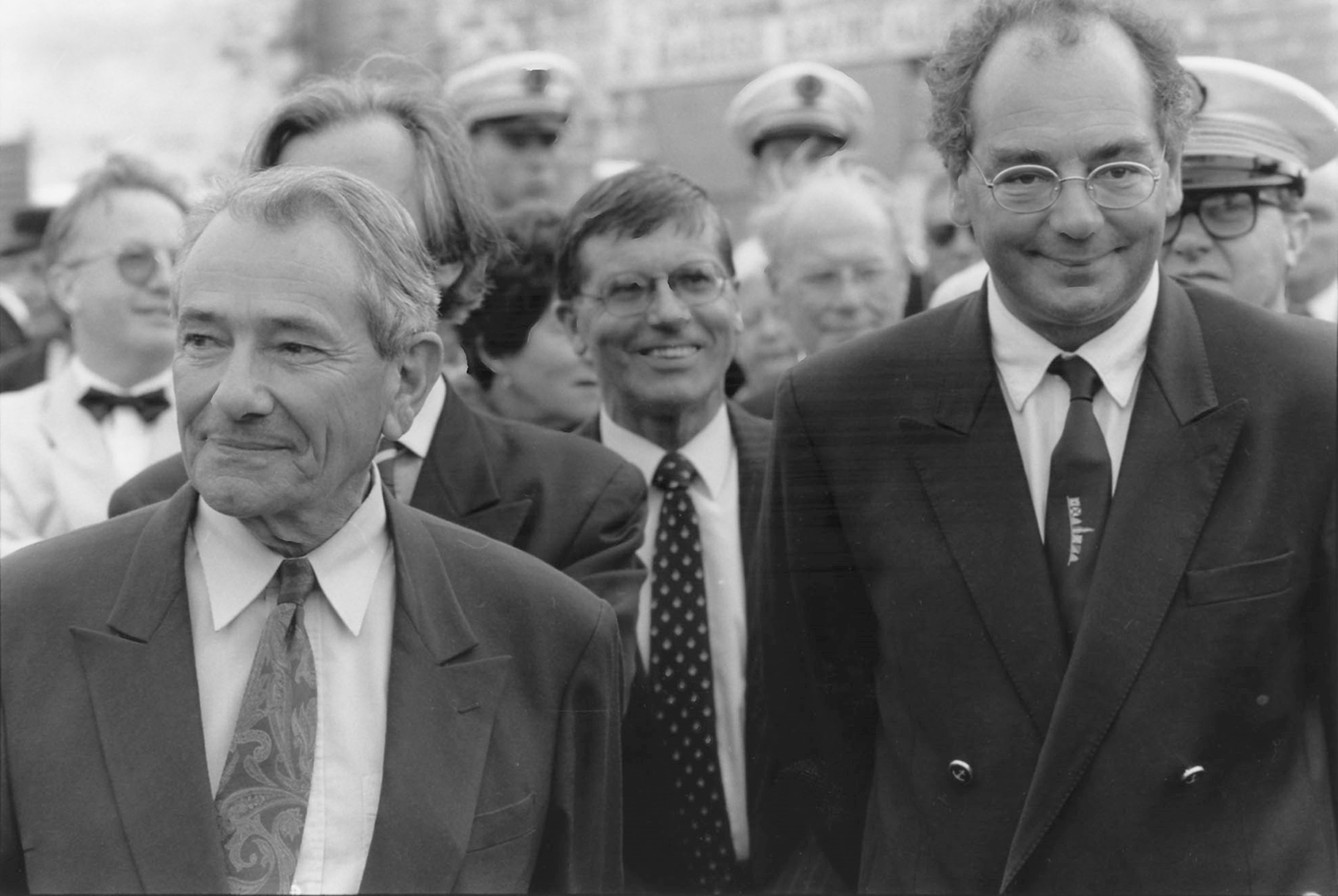 Michel Crépeau et Patrick, le 20 mai 1994, probablement à la cérémonie de remise du canot du Duperré par la Marine (photo Abdel Kallouche)