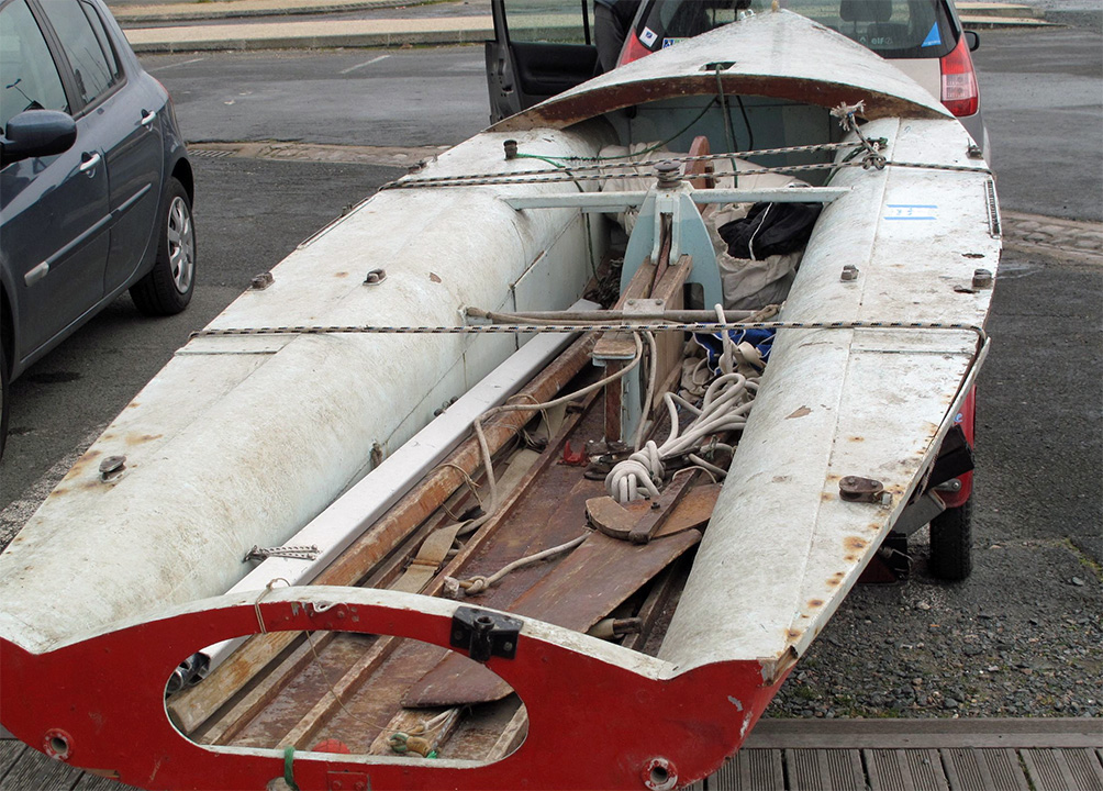 Prototype de dériveur Michel Joubert, vue arrière