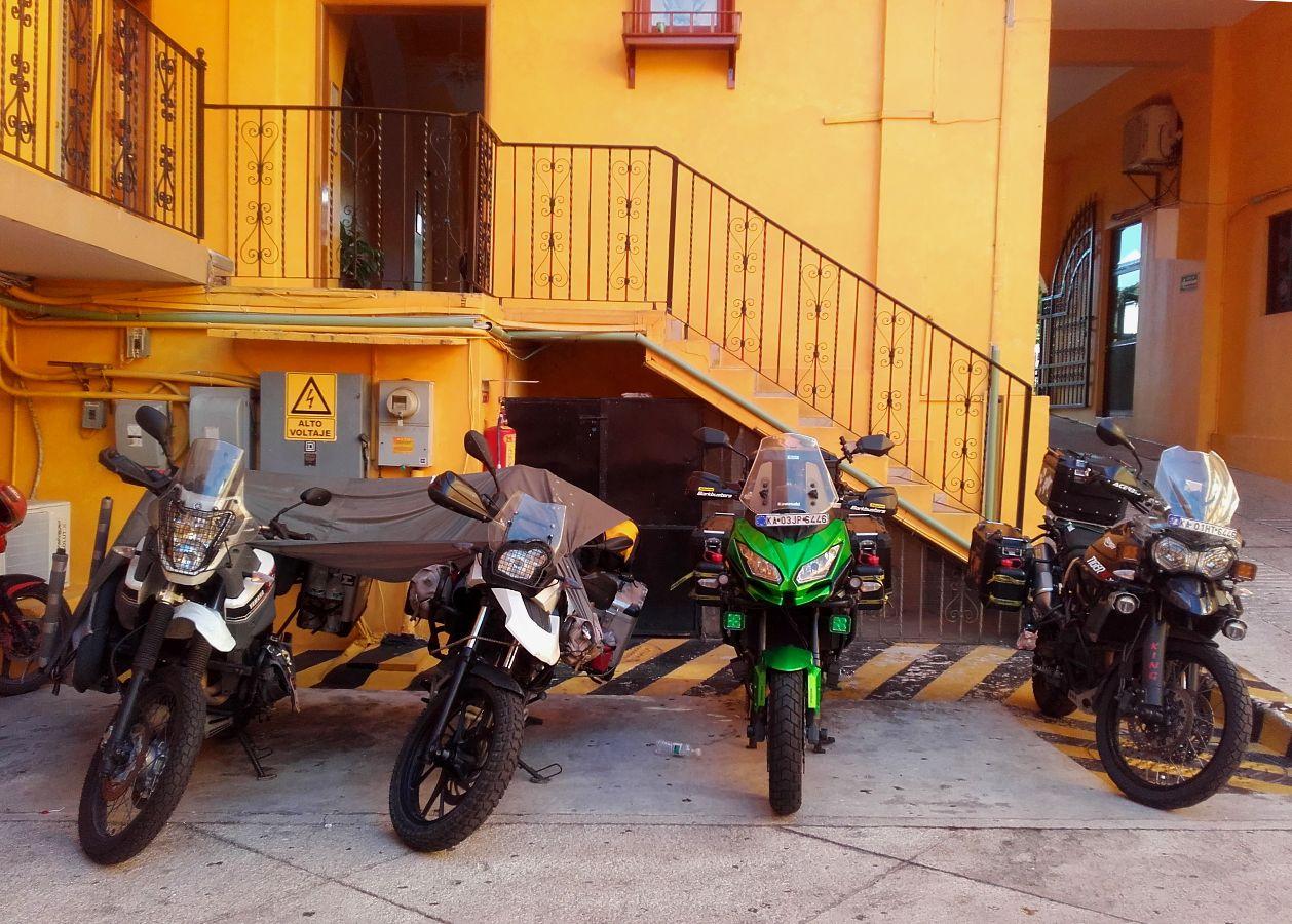 Treffen mit Motorradreisenden aus Indien